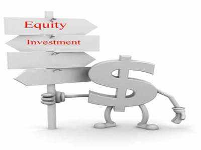 Equity vehicle that invests in multiple liquidity options